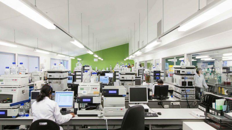 State-of-the-art-technology-at-AsureQualitys-Auckland-Laboratory2__FocusFillWzE0MjAsNjAwLCJ5IiwxNzNd